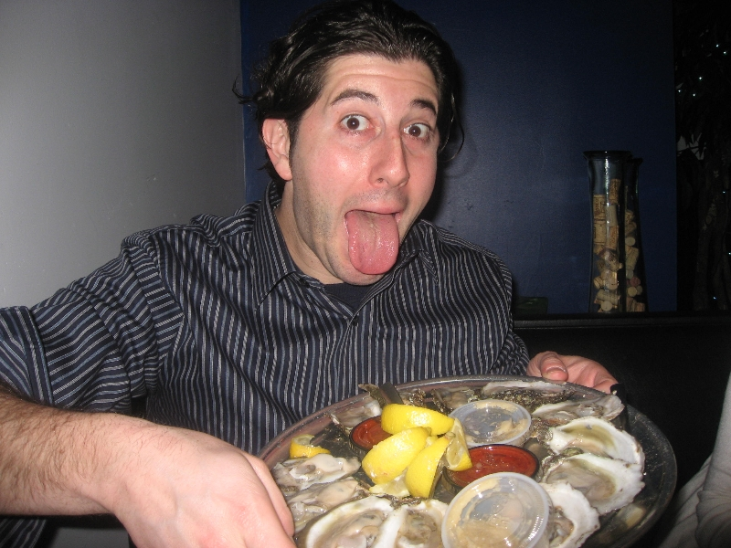 Lee eats oysters