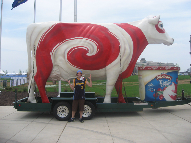 Lee shrugs at a (Philly Union) cow?