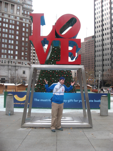 Lee shrugs at LOVE (Park). Haha.