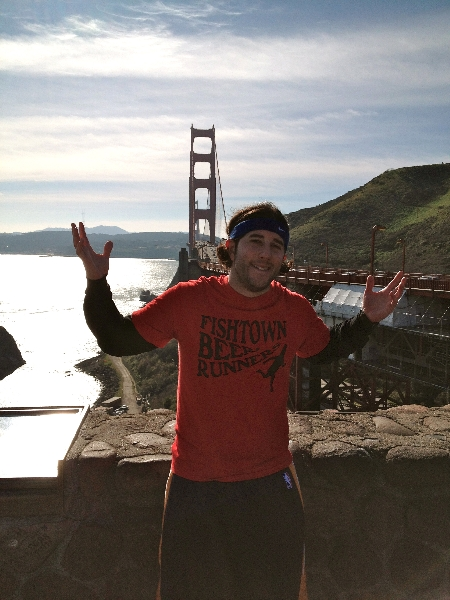 Lee shrugs on the other side of the Golden Gate Bridge (San Francisco)