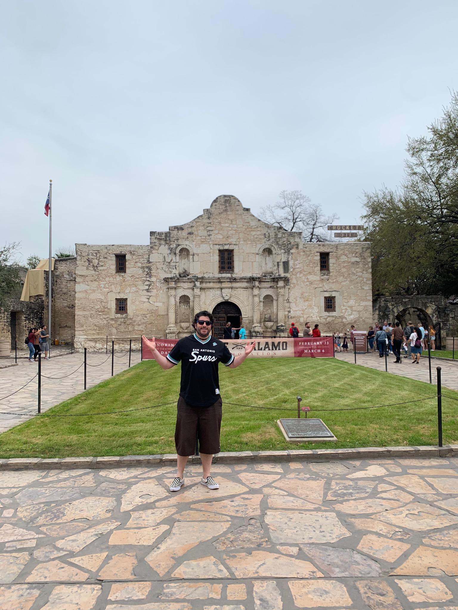 Lee shrugs at the Alamo in San Antonio (Pre-Covid).